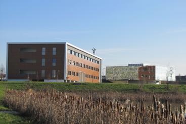 Parc et immeuble Médic Center