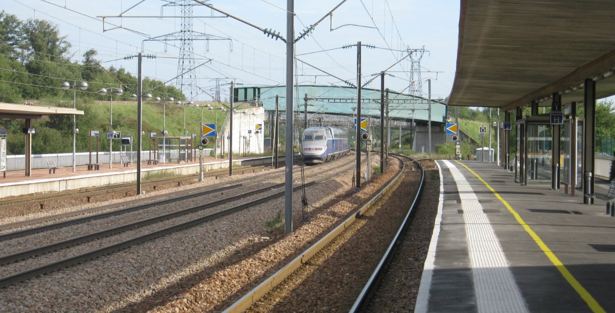 P le d 39 echange multimodal gare le creusot montceau tgv for Exterieur quai gare de l est